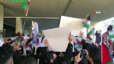 Lübnanlı Öğrenciler, ABD'nin Sözde Yüzyılın Anlaşması'nı Protesto Etti