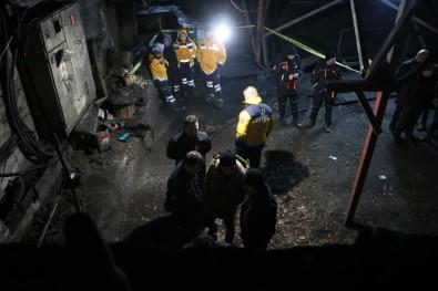 Maden Ocağında Göçük; 2 İşçi Mahsur Kaldı