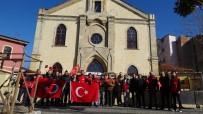 ÇANAKKALE ONSEKIZ MART ÜNIVERSITESI - Türk Bayrağını Yırtan Yunan Vekile Kilise Önünde Sert Tepki