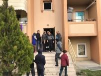 KORUCUK - Apartmanda Çıkan Yangın İtfaiye Ekiplerince Söndürüldü