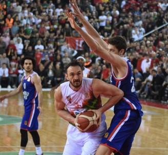 ING Basketbol Süper Ligi Açıklaması Pınar Karşıyaka Açıklaması 80 - Anadolu Efes Açıklaması 82