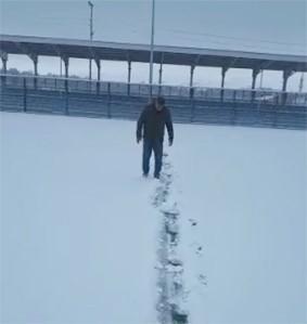 Yoğun Kar Yağışı Özvatan'da İki Futbol Maçını Erteletti