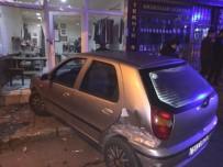 KADIN SÜRÜCÜ - Arkasında Seyreden Otomobil Çarptı, Dükkana Girdi