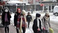 KAVACıK - Dursunbey'de Taşımalı Eğitime Ve Bazı Köy Okullarında Eğitime 'Kar' Tatili