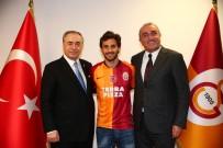 URUGUAY - Galatasaray yeni transferine formayı giydirdi!