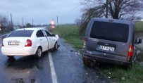 ESENKÖY - Virajı Alamayan Kamyonet Karşı Yönden Gelen Otomobile Çarpıştı; 2 Yaralı