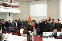 İLAHİYAT FAKÜLTESİ - Öğrencilerden Meclis Toplantısında Anlamlı Ziyaret