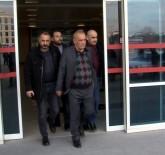 AHMET DEMİR - Duruşmaya Gelen Husumetlisine Adliye Önünde Kurşun Yağdıran Zanlı Tutuklandı