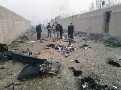 İran'da düşen uçaktaki tüm yolcu ve mürettebat öldü