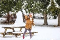 BAĞBAŞı - Kar Keyfi Yaşamak İsteyen Denizlililer Soluğu Bağbaşı Yaylası'nda Aldı
