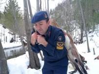 ARAÇ PLAKASI - Kardaki Lastik İzlerini Takip Eden Ekipler, Korkunç Manzarayla Karşılaştı
