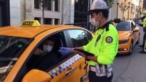 Taksim'de Karantina İhlali Yapan Otobüs Şoförü Hastaneye Götürüldü