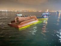 Fatih'te Balıkçı Teknesi Battı Açıklaması 2 Kişi Öldü 11 Kişi Kurtarıldı