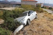 Kula'da İki Otomobil Kafa Kafaya Çarpıştı Açıklaması 3 Yaralı