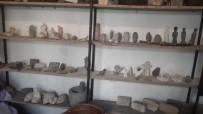 Suriyeli Arkeolog Tarihi Taşa Dokuyor