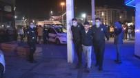 Taksim'de İki Yabancı Grup Arasında Bıçaklı Kavga Açıklaması1 Yaralı