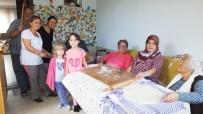 Burhaniyeli Kadınlar Kışlık Yiyecekleri İmece İle Hazırlıyorlar