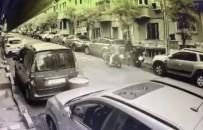 (Özel) İstanbul'un Göbeğinde Saniyeler İçerisindeki Motosiklet Hırsızlıkları Kamerada