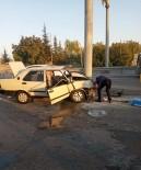 Konya'da Otomobil Direğe Çarptı Açıklaması 1 Ölü