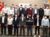 AK Parti'li Gençler 'Akcan'la Yola Devam' Dedi