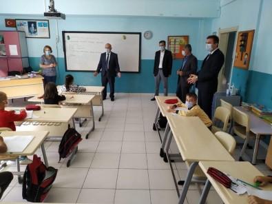 İlçe Milli Eğitim Müdürü Mahmut Demir, Okullardaki İncelemelerini Sürdürüyor