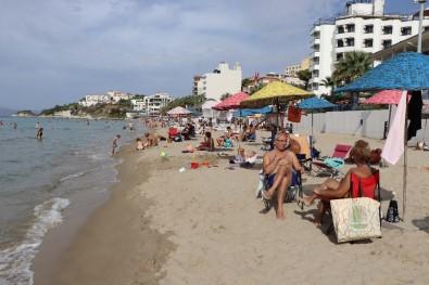 Kuşadası'nda Plaj Keyfi