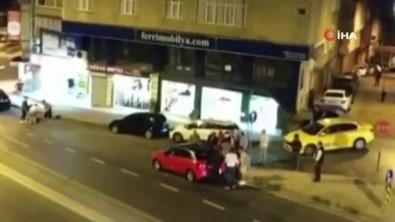 Otomobilde Alkol Kullanan Gençlerle Mahalleli Arasında Kavga Açıklaması 1 Yaralı