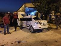 Şanlıurfa'da Otomobil Kaldırıma Çıktı Açıklaması1 Yaralı