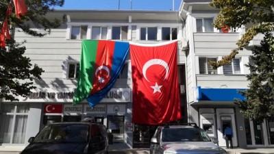 Sungurlu Türk Ve Azerbaycan Bayrakları İle Donatıldı