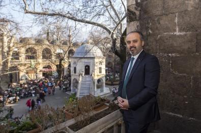 Bursa Ulu Cami Göründü, Sıra Hanlarda
