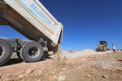 Haliliye'de Yol Yapım Atağı Devam Ediyor