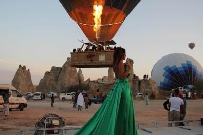 Kapadokya'da Sıcak Hava Balonları Kartpostallık Görüntüler Verdi