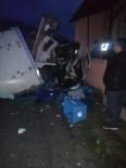 Evin Duvarına Çarparak Durabilen Kamyonun Sürücüsü Öldü