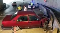 Hastaneye Giderken Kaza Geçirdiler Açıklaması 2 Yaralı