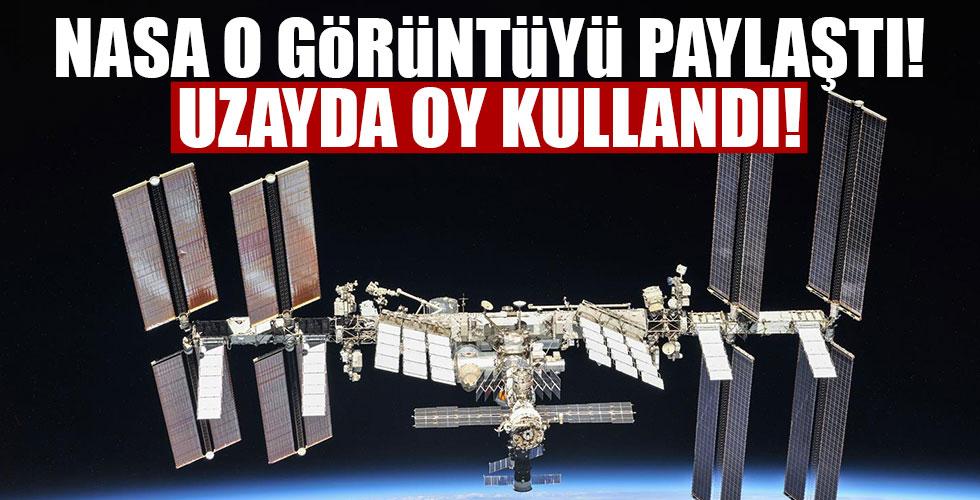ABD'li astronot uzayda oy kullandı!