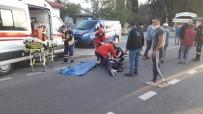 Burhaniye'de Otomobil İle Motosiklet Çarpıştı Motosiklet Sürücüsü Yaralandı