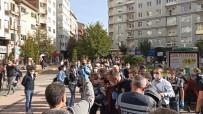İzinsiz Basın Açıklaması Yapmak İsteyen Gruba Polis Engeli