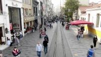 Taksim'de Drone Destekli Korona Virüs Denetimi