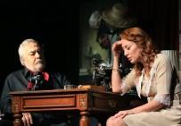 Efeler'de Tiyatro Şöleni 'Güneyli Bayan' İle Sona Erdi