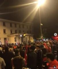 FRANSA - Macron'a öfke patlaması! Yüzlerce Türk sokağa indi