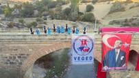 Tarihi Kurt Köprü'de 29 Ekim Kutlaması