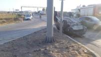 Ceyhan'da Otomobiller Çarpıştı Açıklaması 1 Ölü, 1 Yaralı
