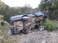 Manisa'da Otomobil Şarampole Uçtu Açıklaması 1 Ağır Yaralı