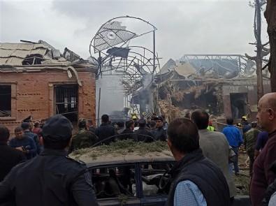 Azerbaycan'da Ermenistan'ın sivillere attığı füzeler önünden geçtiğimiz evlere düştü