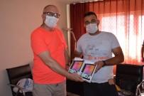 Maden İşçileri Köy Okulu Çocuklarına Tablet Bağışladı