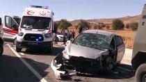 Tunceli'de İki Otomobil Çarpıştı Açıklaması 4 Yaralı