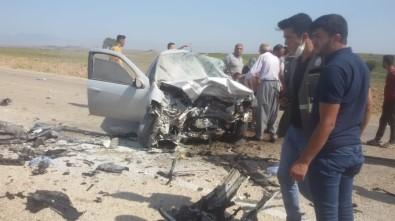 Adana'da İki Otomobil Kafa Kafaya Çarpıştı Açıklaması 3 Ölü
