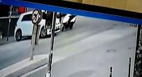 (Özel) Otomobille Çarpışan Motosiklet Sürücüsü Yerinden Fırladı