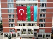 Pendik Belediyesi'nden Azerbaycan'a Dev Bayraklı Destek