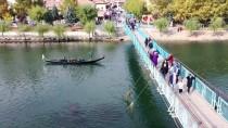Kızılırmak'ta Gondol Turu Keyifli Dakikalar Yaşatıyor